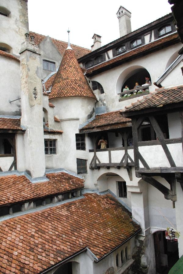 Dracula's Castle – GC5D8 – GEOCACHE OF THE WEEK – November 29, 2012