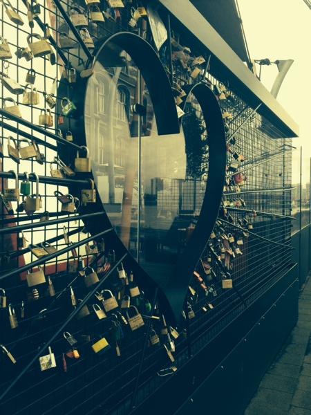 Antwerp's love gate. Photo by Dario1987