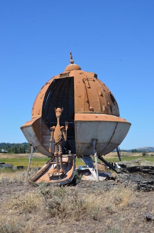Klaatu Barada Nikto! — Aliens Among Us (GC1N0B9) — Geocache of the Week