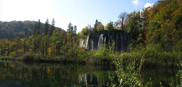 You'll see this stunning water fall (and many others) at GC1FNKR.