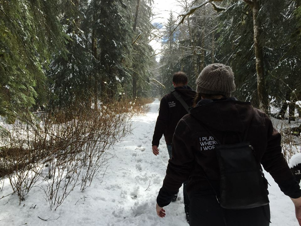 The snowy trail to the geocache site