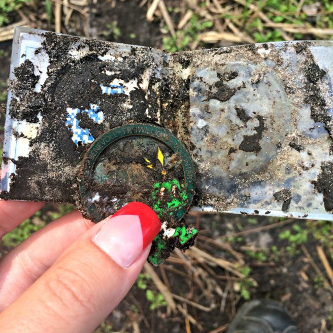 Gabi found a muddy geocoin