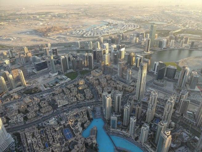 New country souvenir, United Arab Emirates, with Geocache of the Week: Burj Khalifa a Virtual Reward